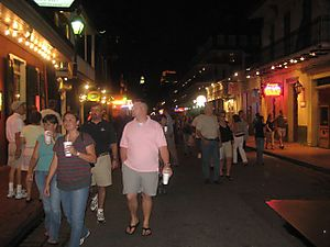 BourbonSt night crowd2