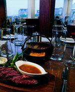 Steak_on_table